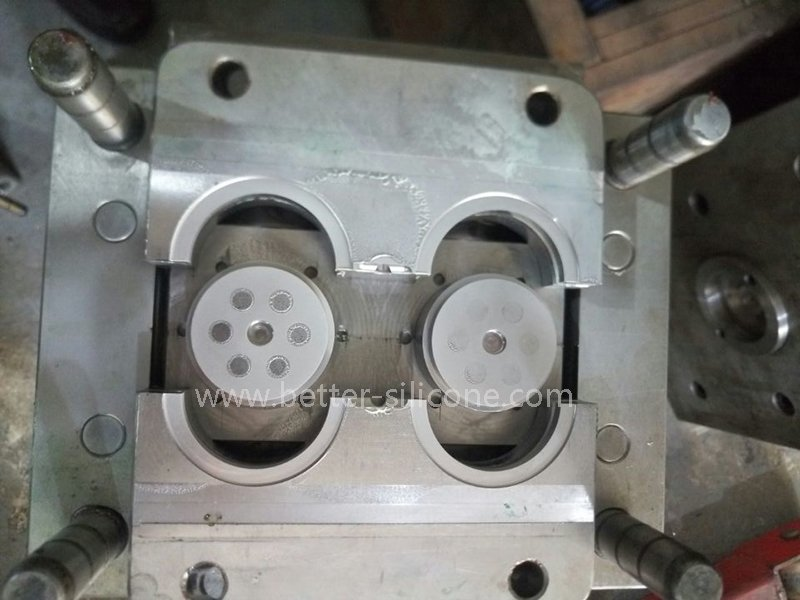 plastic injection mold .jpg